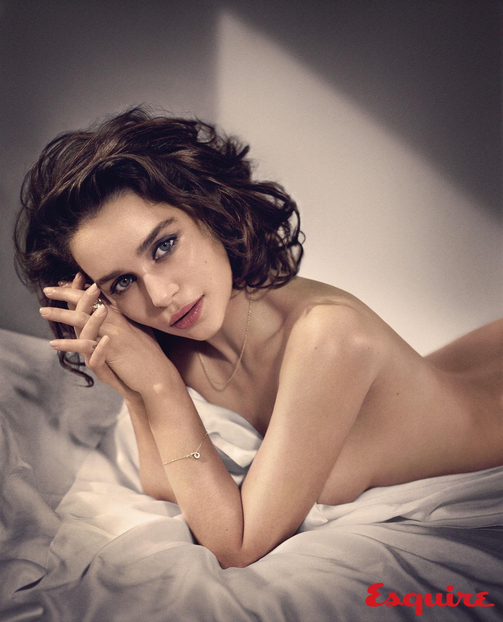 gallery-1444418914-emilia-clarke-sexiest-woman-alive-2015-005.jpg