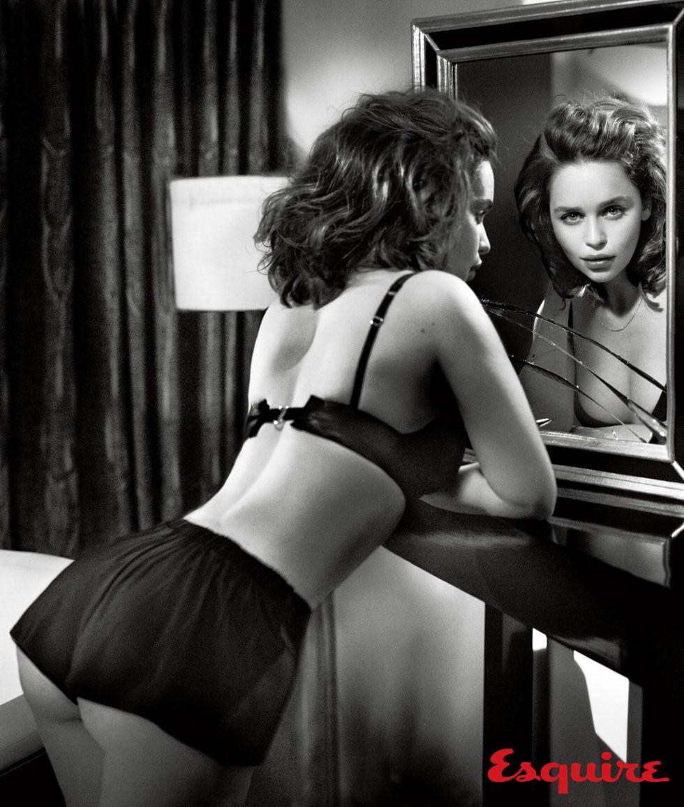 gallery-1444418832-emilia-clarke-sexiest