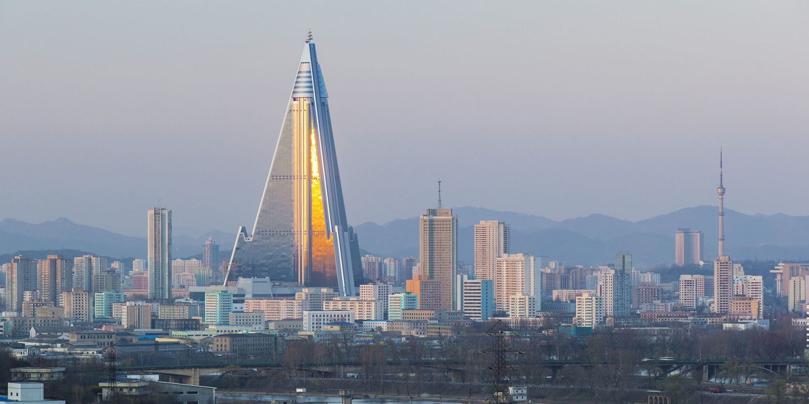 Ryugyong hotel interior - The World S Largest Abandoned Building Is The Hotel Of Doom In North Korea