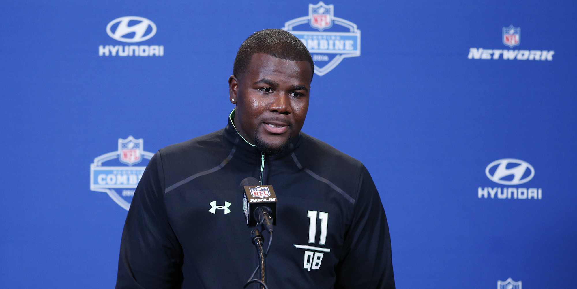 cardale women Tim may the columbus dispatch @tim_maysports several hours after ohio state wrapped up its 2017 national letter of intent signing day wednesday, a famous former buckeye was seen giving a tour to a friend through the woody hayes athletic center.