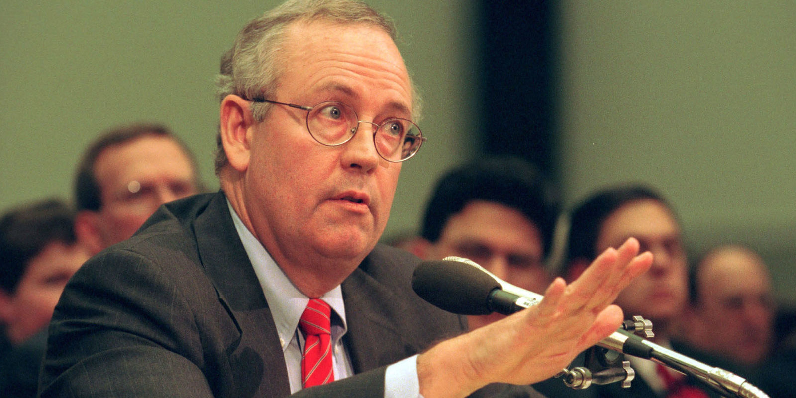 ken starr Ken starr, best known for investigating whitewater and looking into bill clinton's  affair with then-white house intern monica lewinsky, said.