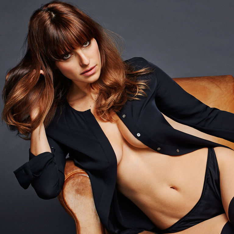 Top 12 Naked Women and Our Favorite Hot Celebrities - Top