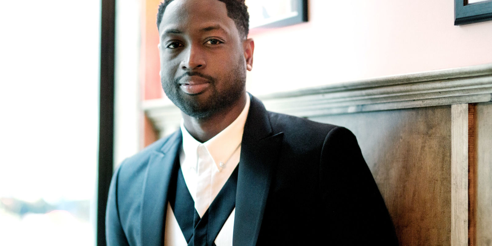 Dwyane Wade Partnered Up With Amazon - Dwyane Wade Opens Amazon Pop-Up Shop