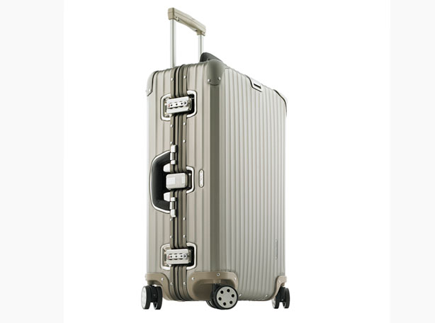 rimowa titanium topas new rimowa suitcase review. Black Bedroom Furniture Sets. Home Design Ideas