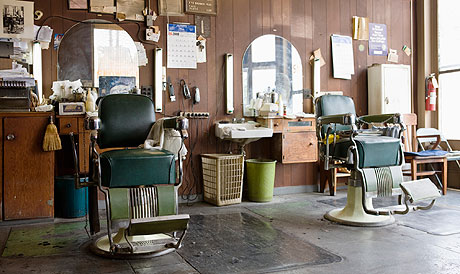 Barbershop vs Salon - Mens Guide to Getting a Haircut