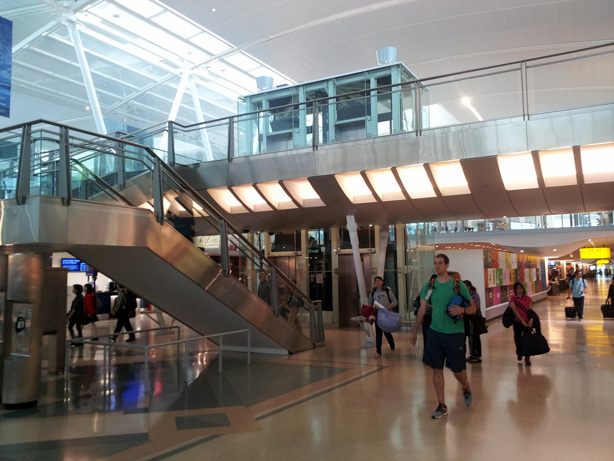 Jfk terminal 4 review john mariani john f kennedy airport for Terminal exterior 15 kv