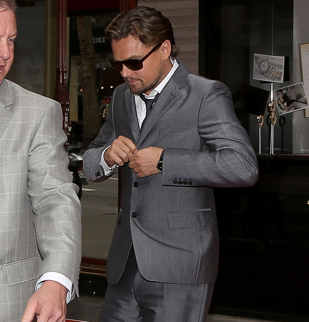 How to Wear a Three-Button Suit. And How Not To. - Leonardo ...