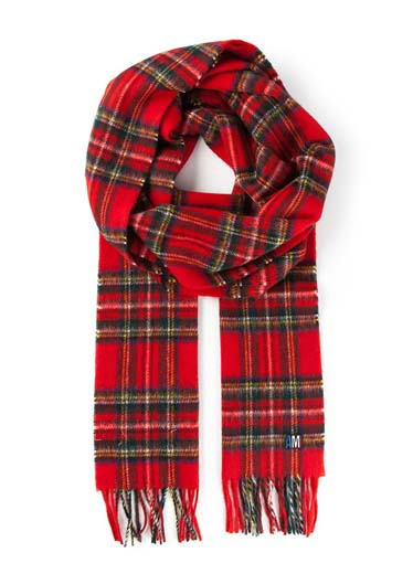 The red tartan scarf is a holiday classic for a good reason—it looks ...