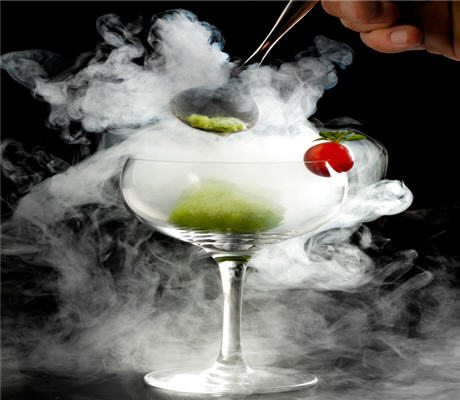 13 Halloween Cocktails And Drinks Spooktacular Drink Recipes