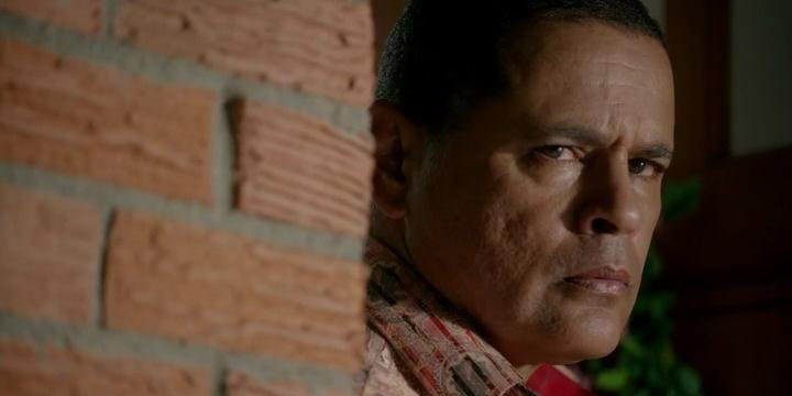 raymond cruz under siege