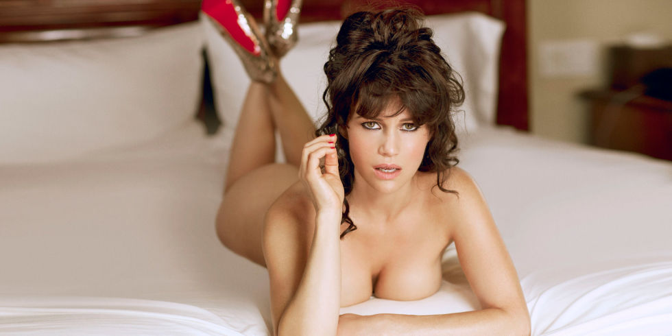 Real nude pictures of carla gugino